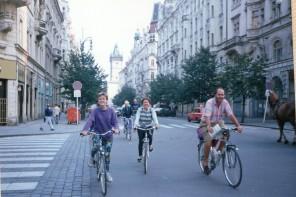 Cicloturismo nel 1990: da Berlino a Praga